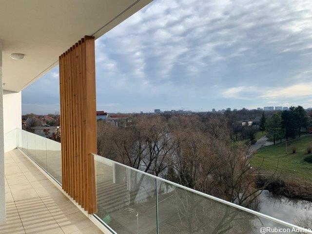 Luxurious, top floor apartment in a small brand-new building with spectacular view