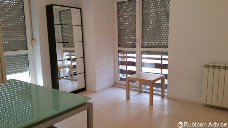 Modern and sunny apartment, fully furnished and equipped