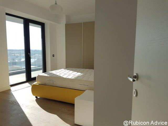 New, furnished apartment near the park
