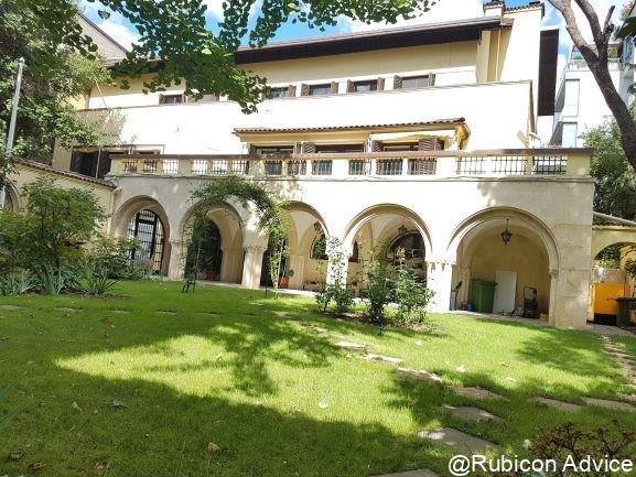 Representative, classic style villa with unique arhitecture